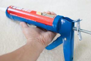 Виды строительных пистолетов для герметика – какой выбрать и как пользоваться?