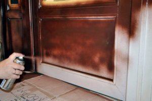 Покраска дверей своими руками – несколько простых этапов