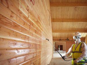Чем покрасить деревянный потолок в доме и стоимость покраски за квадратный метр