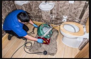 Прочистка канализации в частном доме – как пробить засор своими силами?
