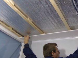 Монтаж потолка из пластиковых ПВХ панелей своими руками