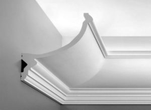 Виды, стоимость и монтаж гипсового потолочного плинтуса