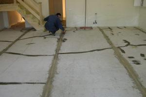 Зачем делать наливной пол под линолеум? Подготовительные работы и заливка