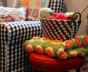 Добавляем уют в дом  – мастерим пуфик