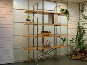 Как сделать полки для цветов самому – варианты для квартиры и летней оранжереи