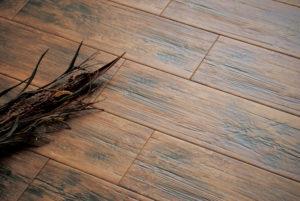 Виды напольной плитки с имитацией дерева
