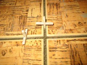 Крестики для плитки – все тонкости получения ровного и красивого шва