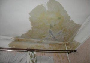 Ремонт потолка своими руками после протечки и стоимость работ