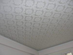 Выбор, недостатки и преимущества тканевых натяжных потолков