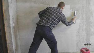 Шпаклевка стен под обои – как работать своими руками?