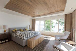Ламинат на потолке – оригинальный вариант отделки квартиры