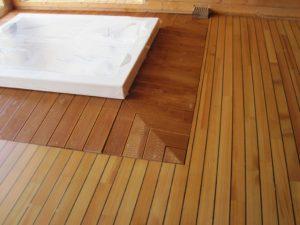 Укладка пола в бане из лиственницы