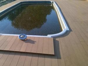 Укладка террасной доски вокруг бассейна
