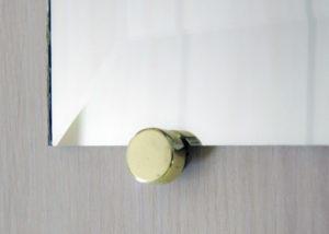 Как повесить зеркало на стену – методы крепления и надежные держатели