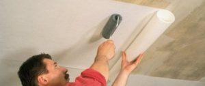 Как клеить стеклообои под покраску – монтаж на стены и потолок