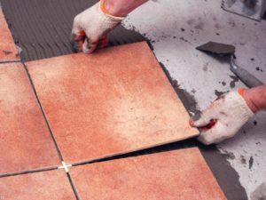 От чего зависит цена на керамическую плитку для пола