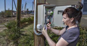 Законно ли требовать вынести электрический счетчик с территории участка на уличный столб?