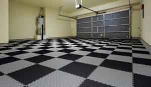 ПВХ плитка для гаража