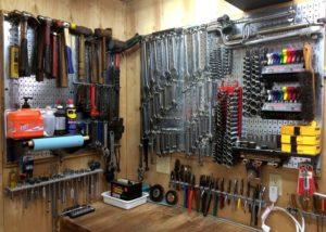 Обустройство гаража своими руками – идеи для хранения запчастей и инструментов