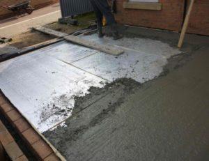 Выбор напольного покрытия для гаража и заливка бетонной стяжки