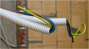 Гофра для проводов – как смонтировать своими руками?