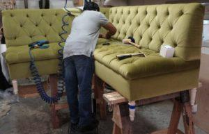 Реставрация дивана – как справиться своими силами?