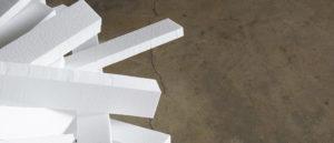 Чем склеить пенопласт между собой – эффективные технологии