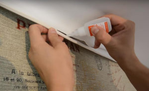 Как заделать дырку и чем заклеить отверстие в натяжном потолке