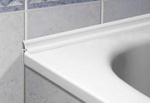Плинтус для ванны – разновидности и правила приклеивания