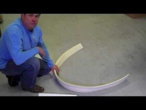 Как согнуть и установить потолочный молдинг из пенопласта