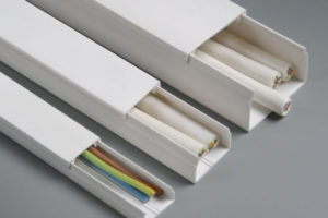 Кабельканалы для электропроводки  – типовые отличия и особенности применения