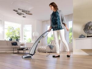 Как ухаживать за ламинатом в квартире или доме?