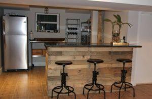 Как сделать барную стойку в своем жилище с минимальными затратами?