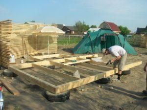 Фундамент из покрышек – надежнее основание для легких построек