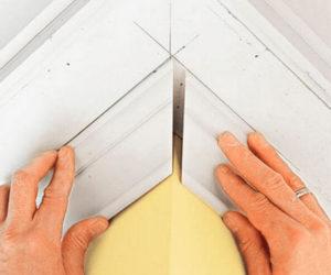 Как правильно сделать угол на потолочном плинтусе своими руками