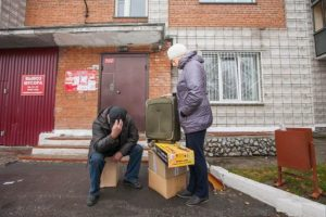 Сбербанк отобрал квартиру и выселил детей. Почему он прав!?