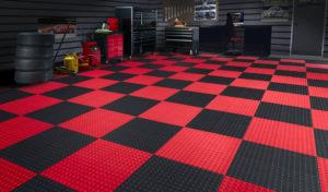 Резиновые полы в гараже