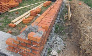 Строительство кирпичных домов – особенности возведения с пошаговой инструкцией