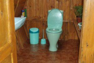 Унитаз для дачного туалета – как выбрать модель и установить своими руками