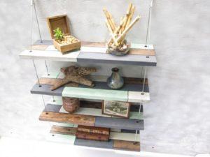 Оригинальные полки – создаем шедевры из дерева, стекла и подручных средств