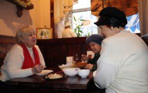 Кафе с бесплатными обедами для ветеранов, блокадников и пенсионеров