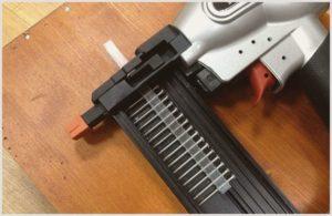 Какой гвоздезабивной пистолет подойдет для строительных работ – обзор видов