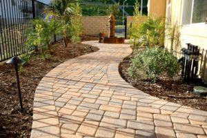 Укладка тротуарной плитки – как сделать двор и сад удобными и красивыми?