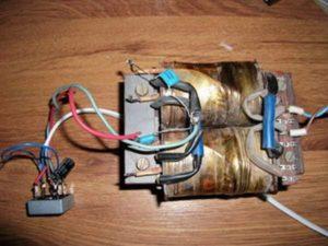 импульсный блок питания для шуруповерта 18в из энергосберегающей лампы