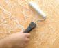 Виды штукатурки и шпаклевки для деревянного потолка и технология нанесения