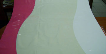 Технология спайки швов и фото двухцветных натяжных потолков