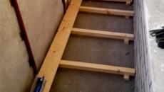 Как сделать деревянный пол на балконе своими руками