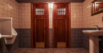 Установка дверей в ванную и туалет – обойдемся без специалистов!